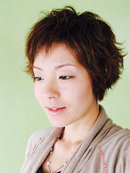 小坂 友美